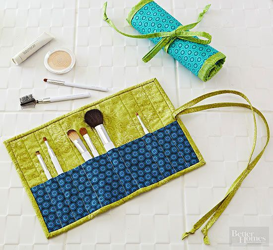 It's time to face your cosmetics clutter. Corral your makeup brushes inside this clever roll-up pouch that has divided pockets to fit narrow and wide brushes. Then roll it up and fasten the tie ends for compact storage./