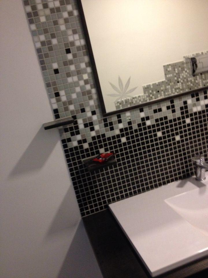 Mosaico con specchio e particolare