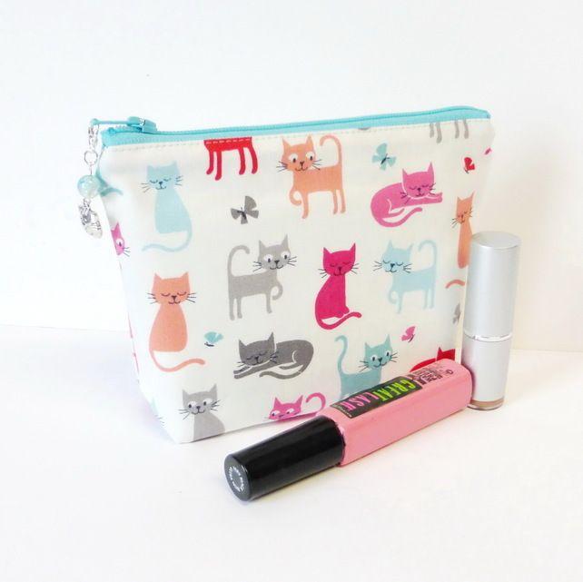 Make up bag, cats £7.50