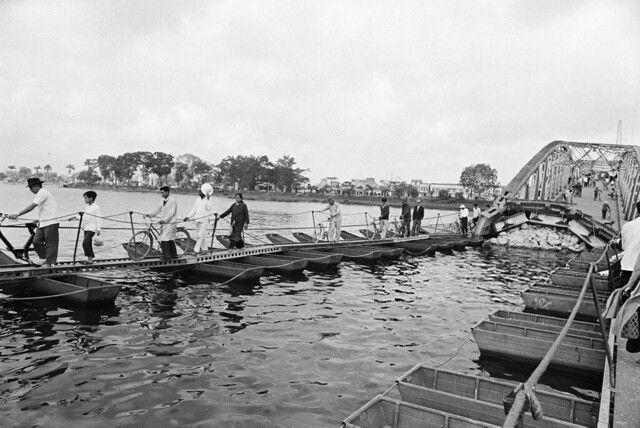 US Navy Seals in the Delta, Vietnam. | Vietnam, Vietnam
