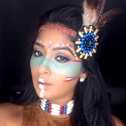 Trucco da indiana: per Carnevale diventa una pellerossa
