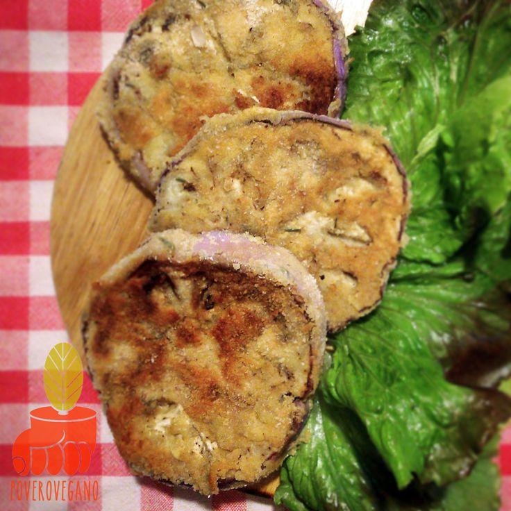 COTOLETTE DI MELANZANE Una ricetta vegan gluten free che conquisterà tutti gli onnivori: cosa c'è di più buono delle melanzane fritte? Queste cotolette di melanzana in pastella di ceci possono essere...