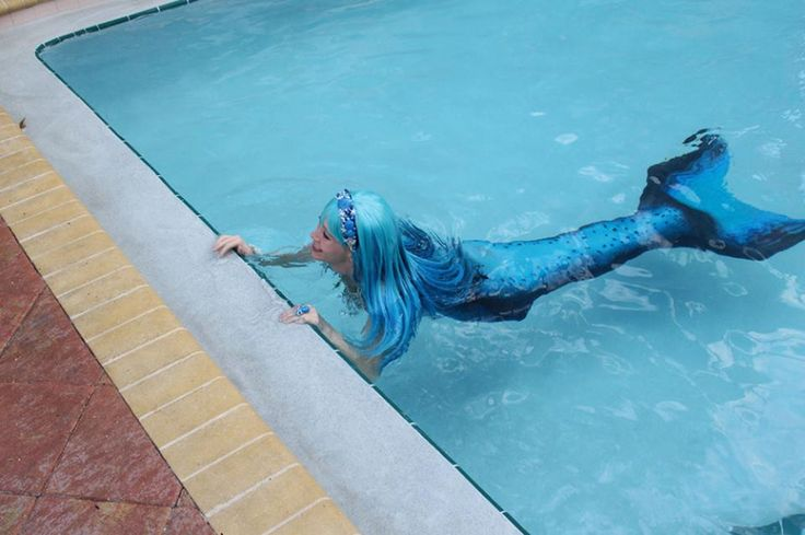 Where Else Can You See A Real Mermaid In A Swimming Pool Lighthouse Resort Pinterest