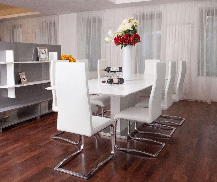 Fiecare apartament este prevăzut cu spațiu pentru lucru, gătit, relaxare și odihnă, necesitând mobilier din mai multe categorii, bucătărie, dormitor, living, terasă și grădină.