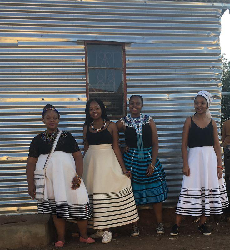 Young proud Xhosa girls - iintombi zama Qwathi