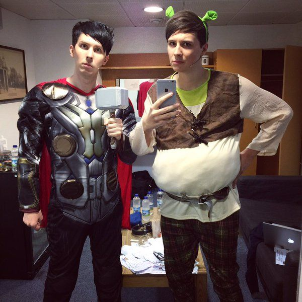 Photos and videos by Dan Howell (@danisnotonfire) | Twitter