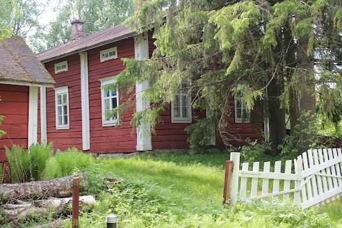 Views Around Liminka's old center. Traditional Northern Ostrobothnian house.