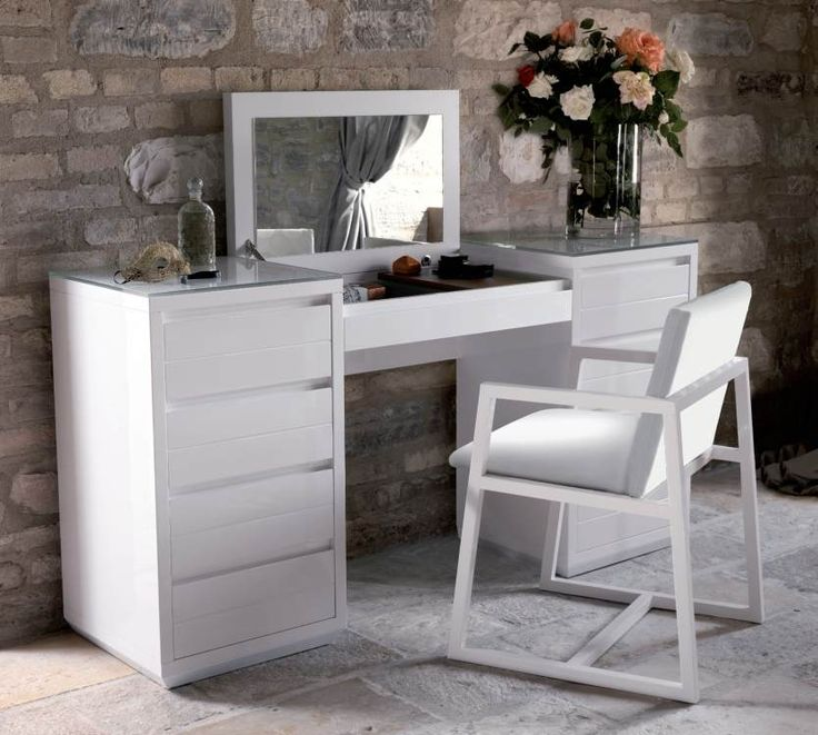 25 best ideas about dressing table modern on pinterest for Modern make up table
