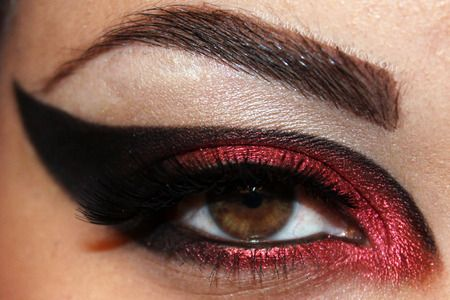 Sith Inspired Look! http://www.makeupbee.com/look_Sith-Inspired-Look_42205