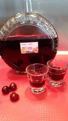 Fotorecept: Višňový likér - Recept pre každého kuchára, množstvo receptov pre pečenie a varenie. Recepty pre chutný život. Slovenské jedlá a medzinárodná kuchyňa