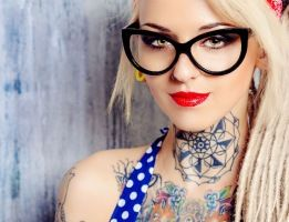 Nieuw: crème om tattoos te verwijderen ● Heb je spijt van de tribal die je op je zestiende op je onderrug liet tatoeëren? Of loop je met de naam van je ex op je arm, maar heb je geen geld om 'm weg te laten laseren. De oplossing is nabij: een crème die je tatoeage laat verdwijnen!
