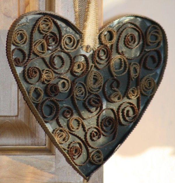 coeur en carton ondulé