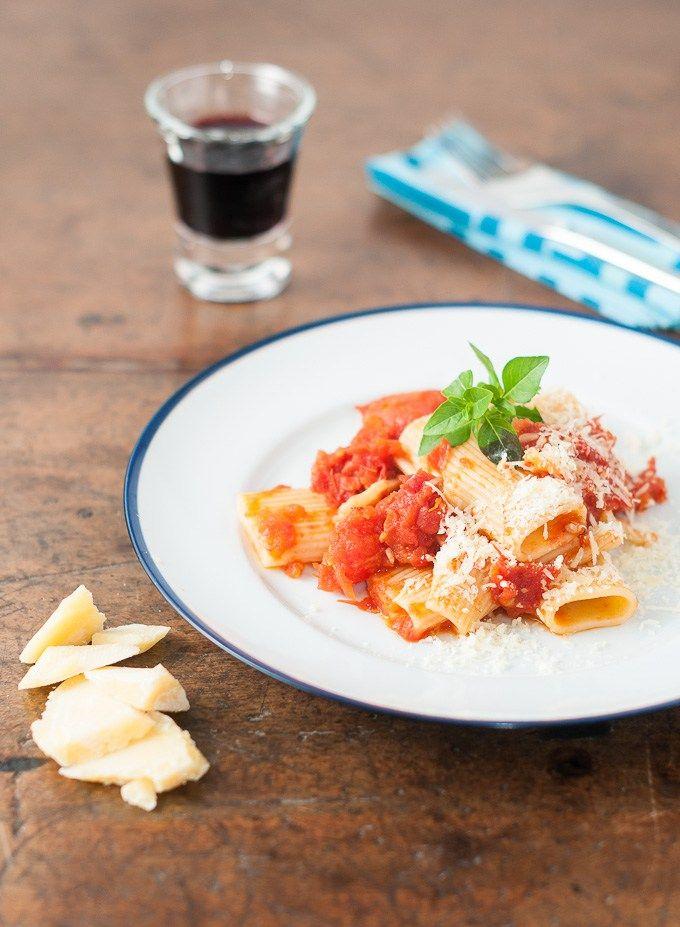 Receita de Rigatoni com molho de tomates assados   Cozinha do João