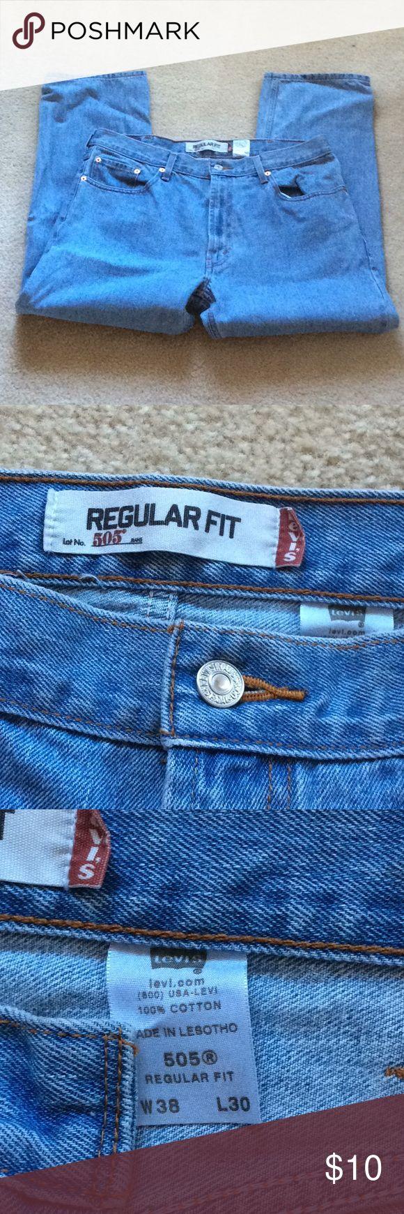 Men's 505 Jeans 38x30, Levis 505 jeans.  Excellent condition. Levi's Jeans