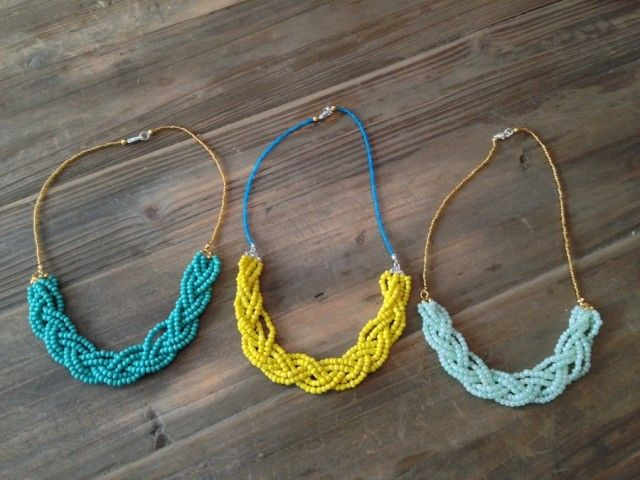 STEP 5: the finished product! Learn how to make a DIY braided necklace with this tutorial from the blog Eille la cheap!