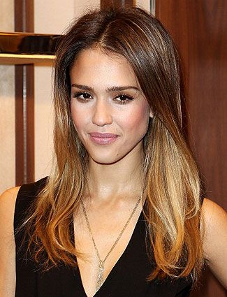 Jessica Alba always looks gorgeous! i love her hair here! i wish i could make mine just like this! id love it!