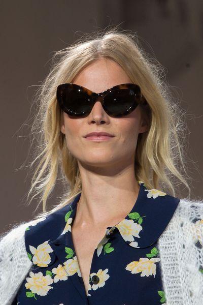 Michael Kors   Crédit photo  Imaxtree   Les plus belles lunettes de soleil  de l été 2015 repérées sur les défilés   L Express Styles   Pinterest 468552ddc738