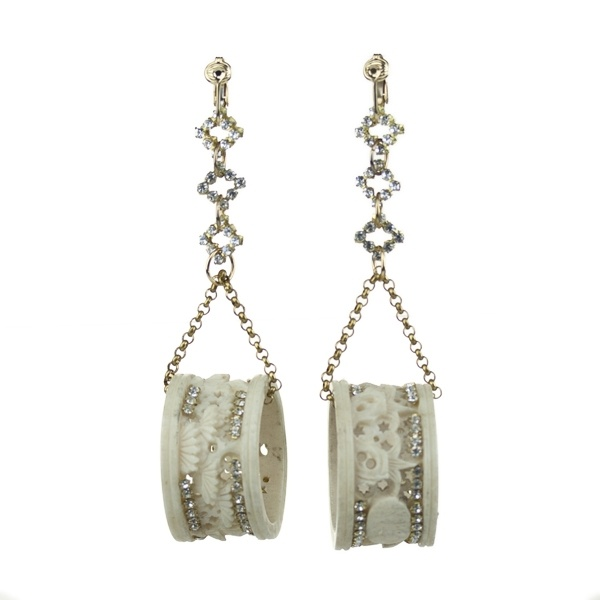 Lizzy Couture Vintage Jewelry - Asian Napkin  Ring Earrings