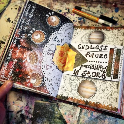 Currently working on… #sketchbook #artjournal #artjournaling #artjournals #mixedmedia #mixedmediaart #collage #jenndalyn #workingonit #wip #artist