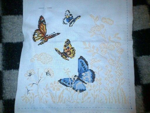 Mariposas bordadas
