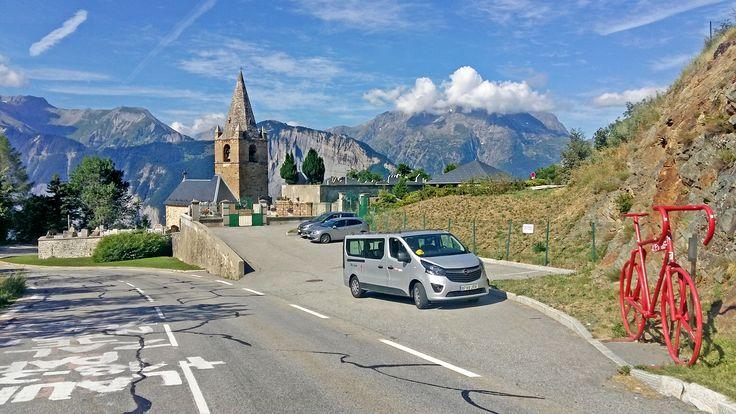 Experimenta la pasión, la excitación y la emoción de esta semana del Tour de Francia en su camino a través de los Alpes Franceses y de la pintoresca Provenza.