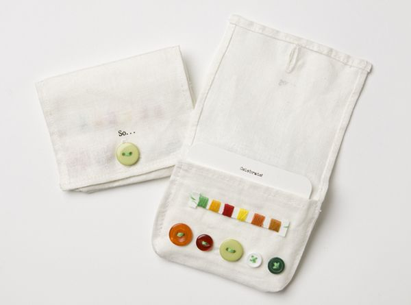 Sewing Pouch. There's no pattern. But it seems simple to do. Would make a nice pocket gift for someone.
