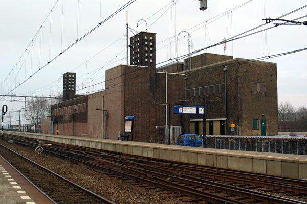 Uitgeest, 25 februari 2005. Dit transformatorstation is een ontwerp van ir. H.G.J. Schelling uit de jaren 30.