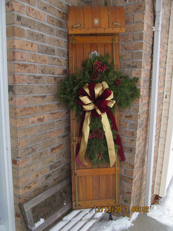 Toboggan decor for the home pinterest decor for Decor de noel exterieur