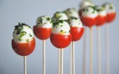 Tomato, mozzarrela, basil pops