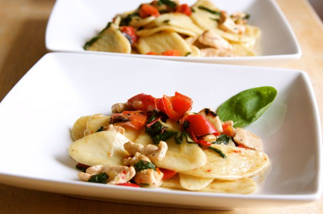 Apron and Sneakers - Cooking & Traveling in Italy: Foglie d'Ulivo con Spinaci, Pollo & Peperone (Spinach, Chicken & Pepper)