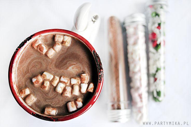 gorąca czekolada z piankami marshmallow