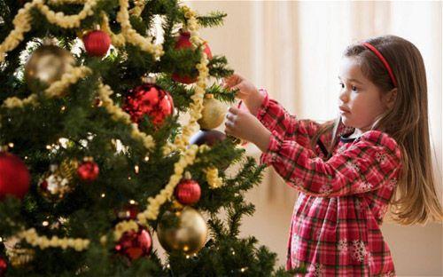 Natale fai da te – parte seconda: i consigli di Riviera dei Bambini per addobbare l'Albero di Natale con tutta la famiglia!