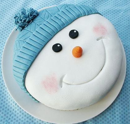 Christmas cake - this turned out perfect ! super cute for my gran - she loved it!