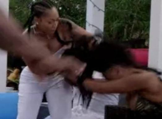Love & Hip Hop ATL: Jessica Dime Snatches Treasuer P's Wig & Joseline Vs Lovely Mimi [Video] -  Click link to view & comment:  http://www.afrotainmenttv.com/love-hip-hop-atl-jessica-dime-snatches-treasuer-ps-wig-joseline-vs-lovely-mimi-video/