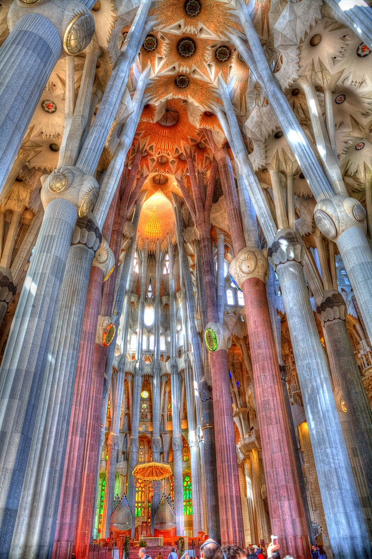 17 best images about gaudi on pinterest architecture for La sagrada familia inside