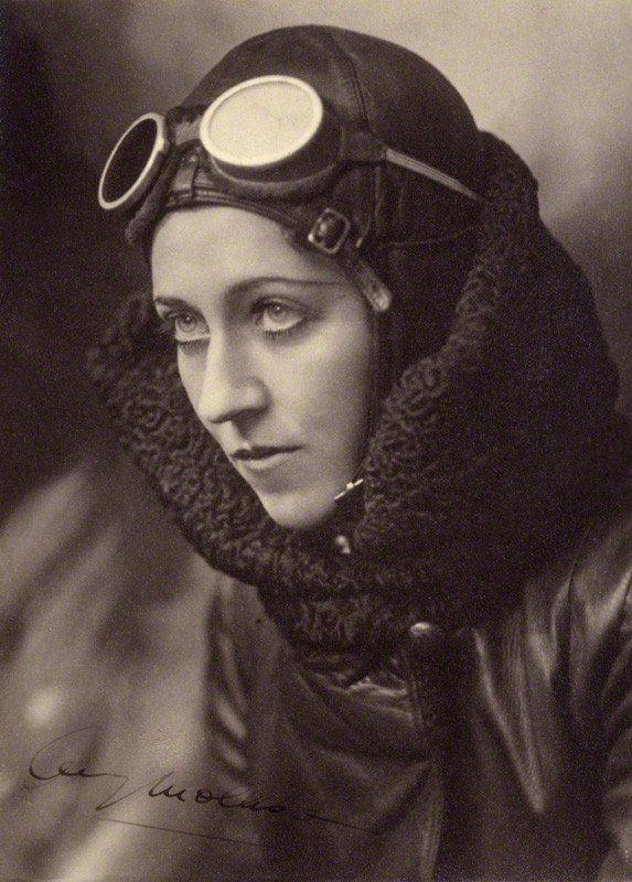 Amy Johnson by John Capstack, c.1934. Courtesy of the NPG. http://flashbak.com/pictures-of-english-aviatrix-amy-johnson-1903-1941-50538/