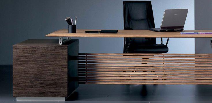 שולחן משרדי למנהלים Rho מאת Ora Acciaio, מעצב Luca Scacchetti