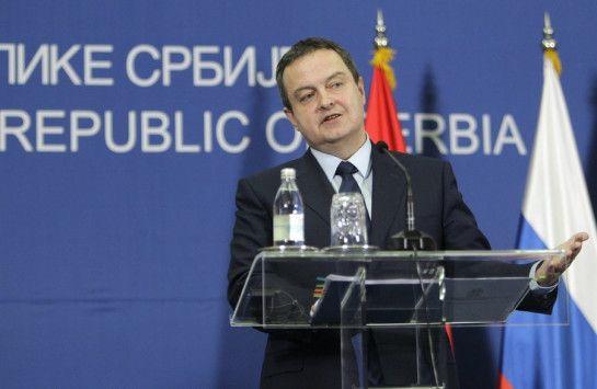 Η Σερβία «έκανε λάθος όταν αναγνώρισε τη χώρα με το συνταγματικό της όνομα (Δημοκρατία της Μακεδονίας), δεδομένου ότι τα Σκόπια αναγνώρισαν αργότερα το Κόσσοβο ως ανεξάρτητο», δήλωσε ο υπουργός Εξω…