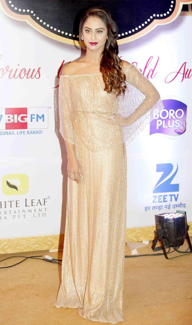 Krystle D'Souza at Gold Awards 2015 - #GoldAwards2015. #Bollywood #Fashion #Style #Beauty