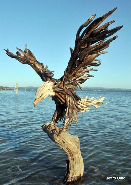 Jeffro réalise d'impressionnantes sculptures faites uniquement avec du bois