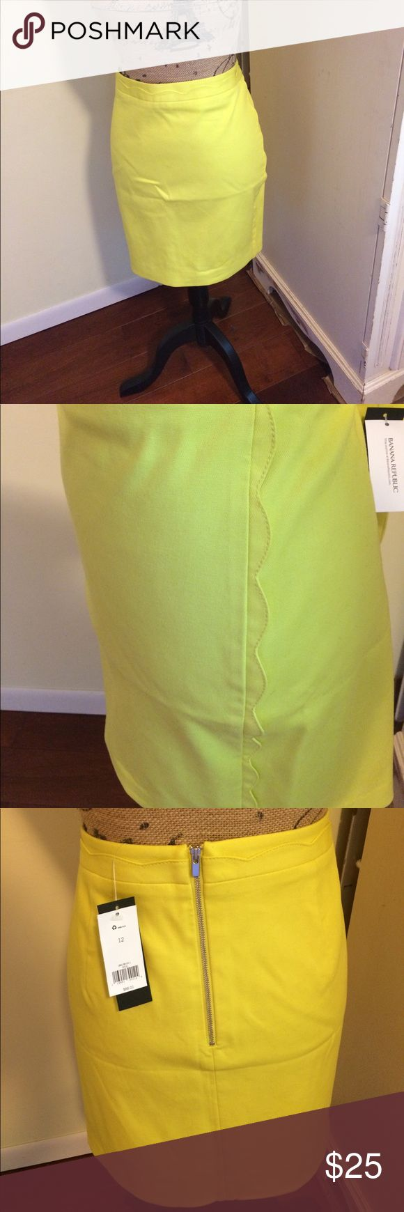 """Banana Republic chartreuse green Pencil Skirt My loss is your gain .  Re-poshing this NWT, cute, lined, summer piece. Size 12, waist measurement is 17.5"""", hip measurement is 20.5"""", length measurement is 18"""". Detailed on both sides with scalped edging. Banana Republic Skirts Pencil"""