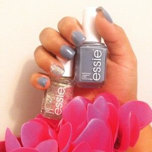 Essie Colors in Hors D'Oeuvres & Truth or Flare Essie Color- Spin the bottle Essie Love Essie Review Review I currently have a small collection of Essie nail polish shades and I loveee their colors! Their colors and themes are made seasonal which is really cool. I recommend applying 2 to 3 coats so that …