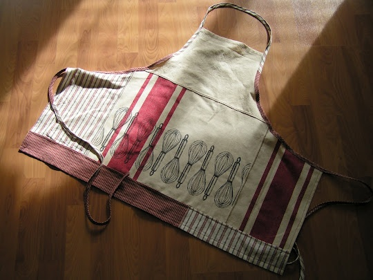 kitchen towel apron: Aprons Everywhere, Craft, Tea Towels, Apron Addiction, Kitchen Towels, Tea Roses, Home Kitchens