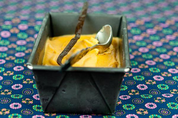 Ягодный курд, карамельное мороженое и баварский крем - Le petit terroir