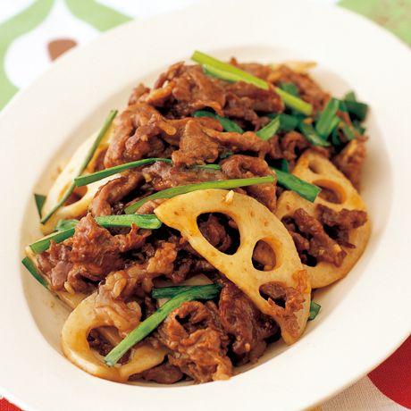 片栗粉をまぶして食感をUP「牛こまとれんこんの中華炒め」のレシピです。プロの料理家・コウケンテツさんによる、牛こま切れ肉、れんこん、にら、にんにくなどを使った、570Kcalの料理レシピです。