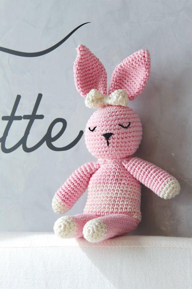 Coniglio - pupazzo a uncinetto fatto a mano - rosa. Lo trovi su bebuu.it