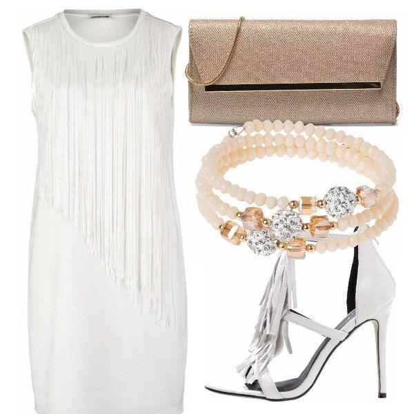 Outfit adatto a un party, estivo! Vestito aderente bianco, con vari fili, sandali con tacco e frange, pochette color oro, bracciale con perline bianche e pietre oro!