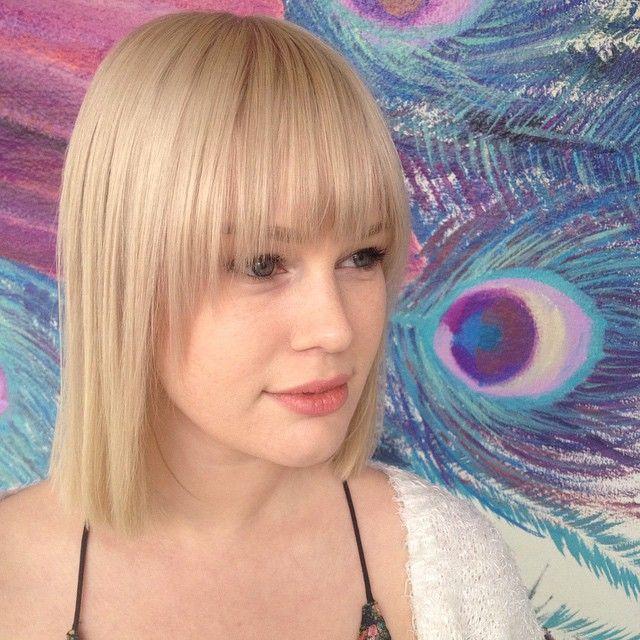 "Ina klippet denne fine 70-tallsluggen idag! #lugg #bangs #bleach #blonde #flashlift #shadesgloss #redken #blondie #girl #frisør #bergen #frisørbergen #bergenfrisør #bergenby #bergensentrum #nygård #bob #bluntbob #nofilter (18 Likes) <a href=""https://instagram.com/p/0XrHftMllj/"">View Photo</a>"