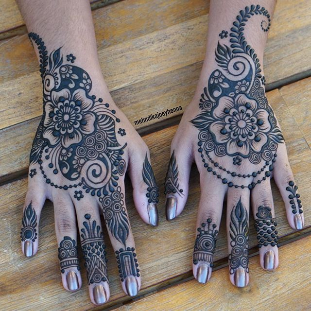 Full henna design