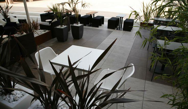 Il sopraelevato usato nella terrazza di un hotel. #sopraelevato #terrazza #pavimentazionesopraelevata #kronostecnica